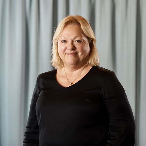 Lena Alm Gustavsson, ekonomiansvarig
