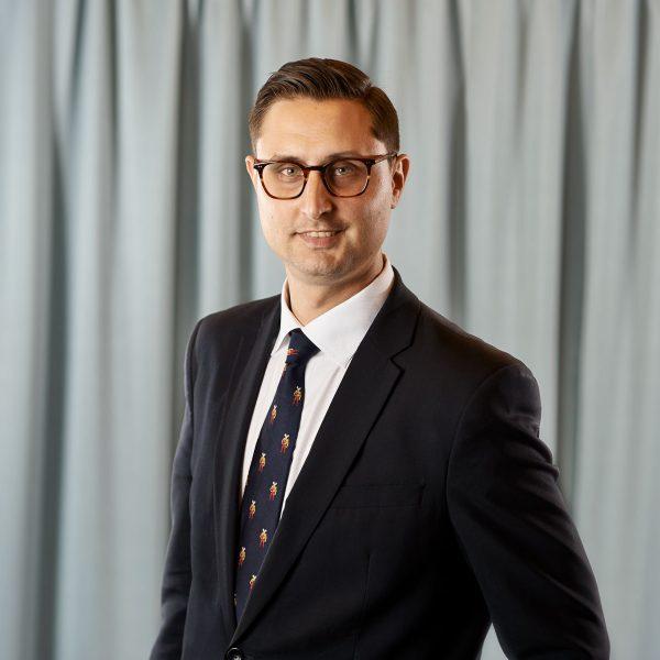 Robert Attesjö, advokat